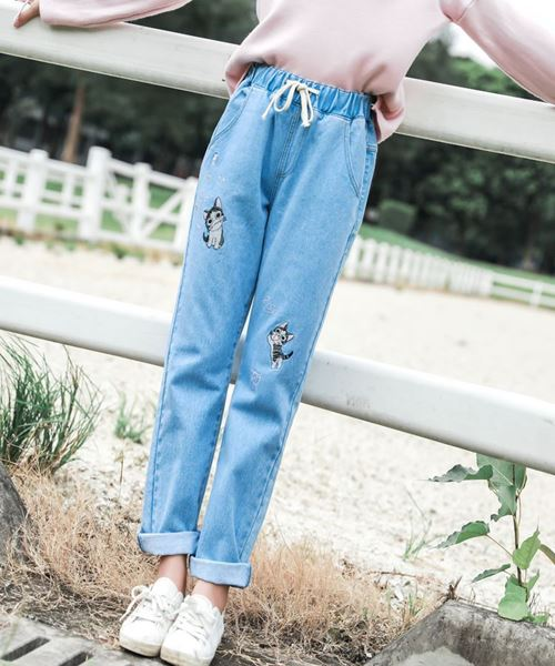 Picture of Woman Cat Jeans